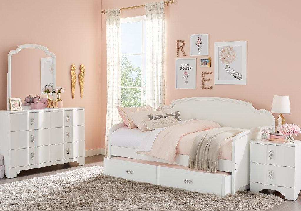 rylee white 3 pc daybed bedroom