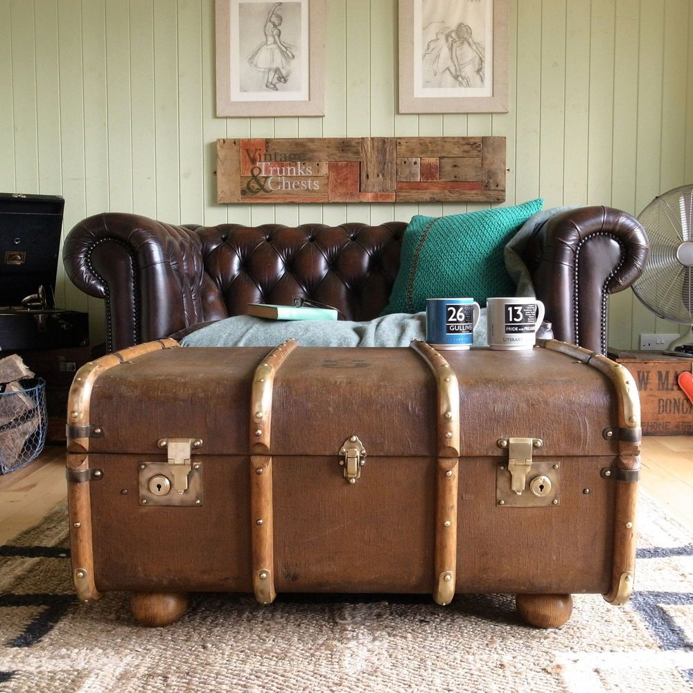 Merveilleux VINTAGE STEAMER TRUNK CHEST Banded Railway LUGGAGE Suitcase COFFEE TABLE  Storage
