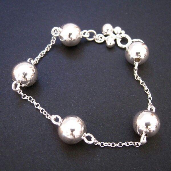 Pulseira em Prata 925 Bola http://www.luxjoias.com/pulseira-bracelete-prata-c-117_137.html