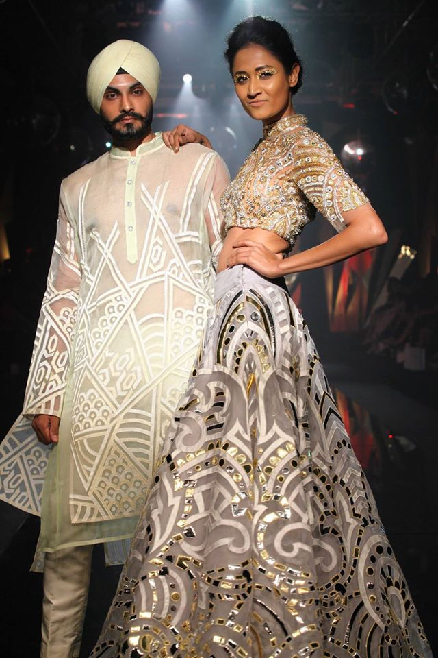 Abu Jani And Sandeep Khosla Traditional Wedding Dress For Bride And Groom Indian Couture Indian Fashion Indian Designer Wear
