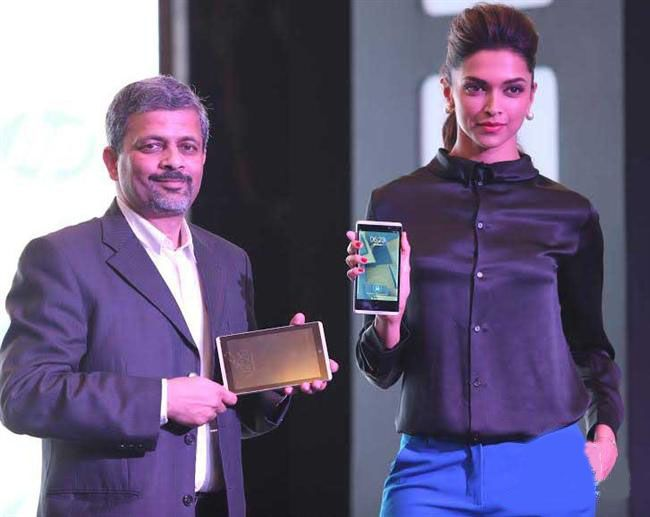 reputable site 408fd c6c6c Deepika Pdukone - Deepika Padukone Unveils Hp Slate 7 ...