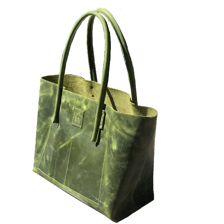 28aa9b8cdca27 Ledertasche Shopper Ledershopper groß greenery ! handmade von Goldtaschen  auf Etsy. ShopperShopping BagsGreeneryDesignsVintage ...