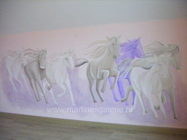 Kinderkamer Van Kenzie : Muurschildering kinderkamer paarden acrylverf painted wall