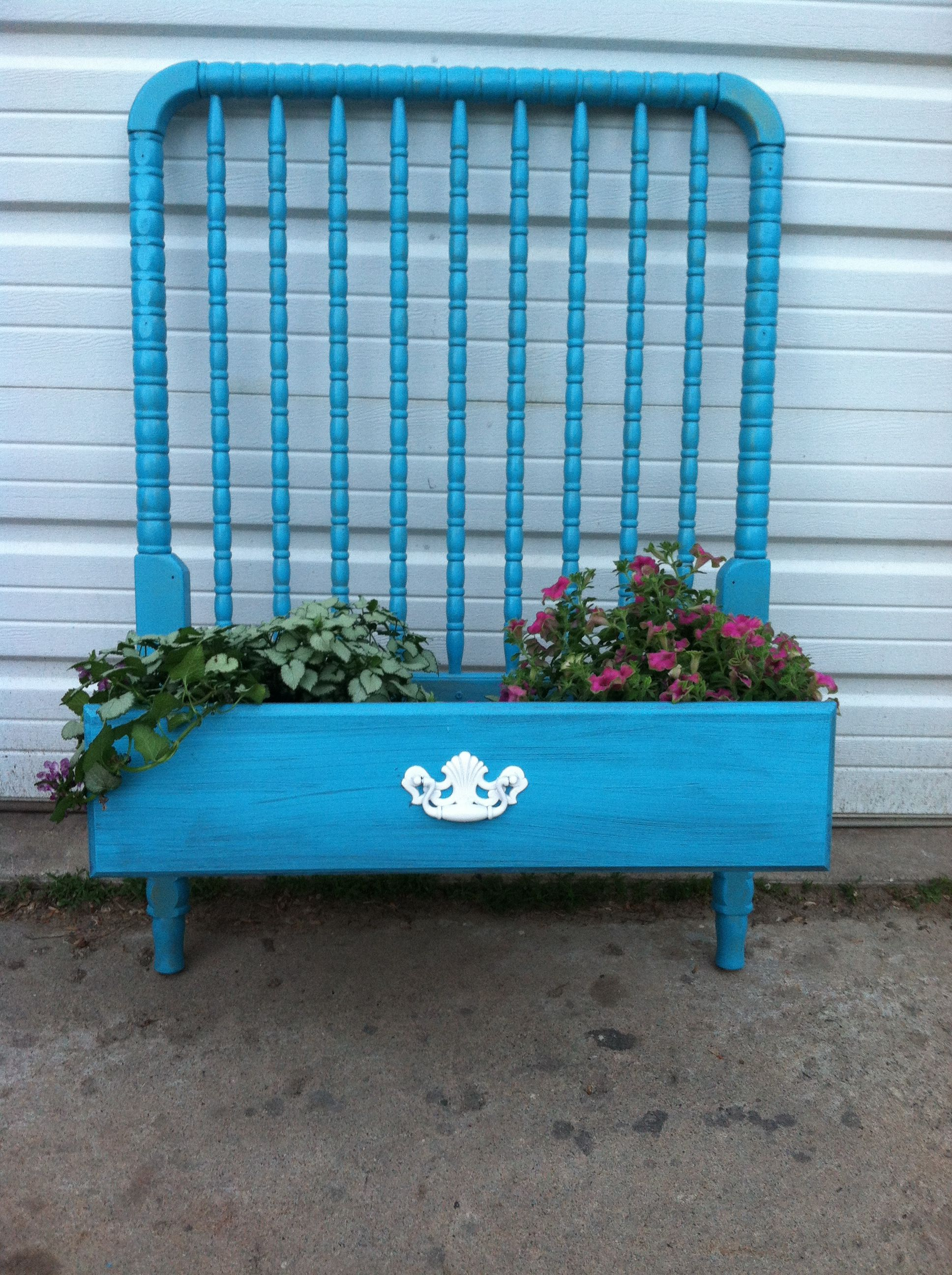 Repurposed Crib And Drawer Garden Projects