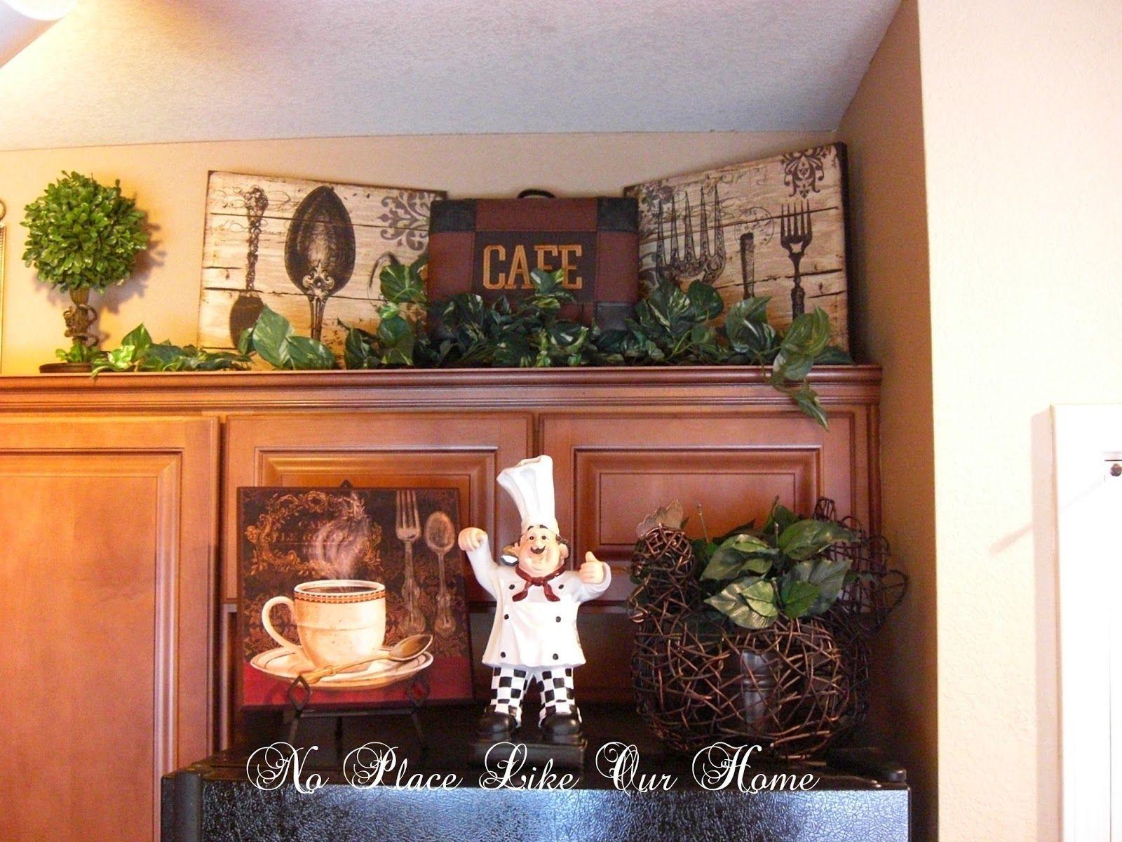 K3 Jpg 1 600 1 200 Pixels Tuscan Decorating Kitchen Decorating Above Kitchen Cabinets Kitchen Vignettes