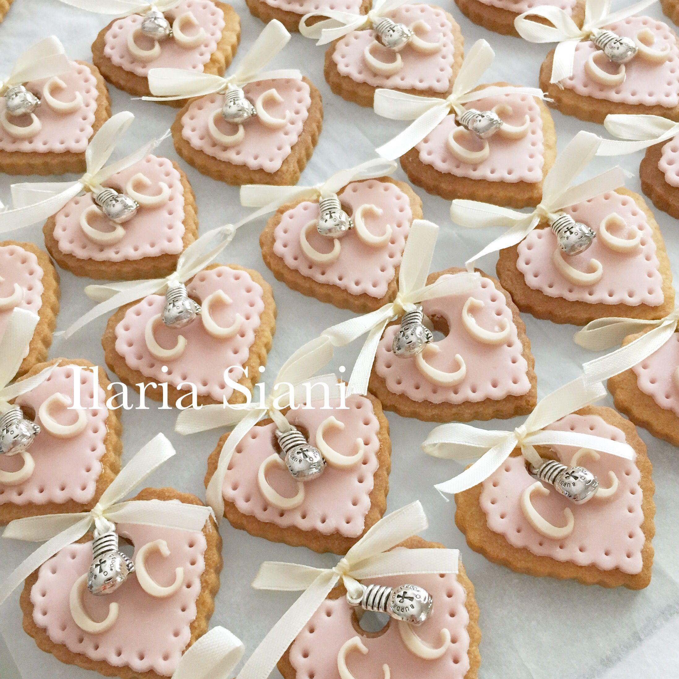 Segnaposto Matrimonio Pasta Di Zucchero.Biscottini A Cuore Con Ciondolino Realizzato Su Progetto Di