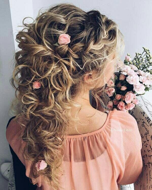 Princess Wedding Hairstyles: Fairy Princess Bridal Hair With Fresh Pink Spray Roses