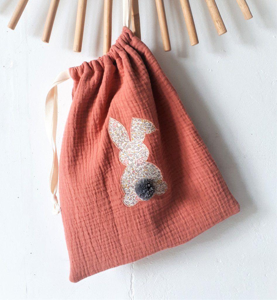 Petit sac de rangement en double gaze Terracotta et lapin en Liberty Katie