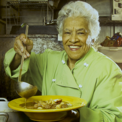 Cleo Robinson And Edgar Dooky Chase Iv Leah Chase Kitchen Queens New Orleans Wyes Kitchen Queen New Orleans Recipes Queens Food