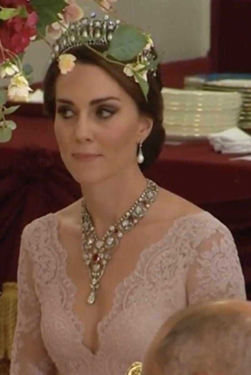 TIARA ALERT: The Duchess of Cambridge wore Queen Mary's ...
