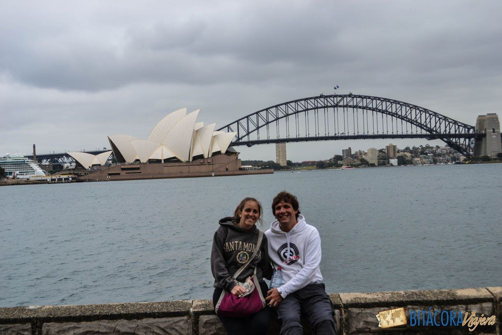Conocer Sidney caminando es una de las mejores formas de relacionarse con la ciudad y lo que ésta tiene para ofrecer. 3 recorridos y una ciudad a pie.#sidney #australia #viajar #viajes #bitacoraviajera