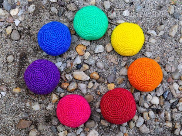 """Einfaches Footbag häkeln """"uni"""" – Hackysack, Jonglierball, Stressball ..."""