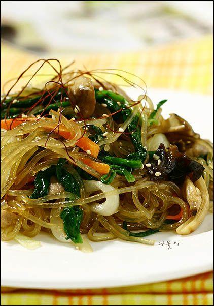 簡単!韓国料理レシピ > 単品料理 > みんな大好き♪ 雑菜(チャプチェ) ^^
