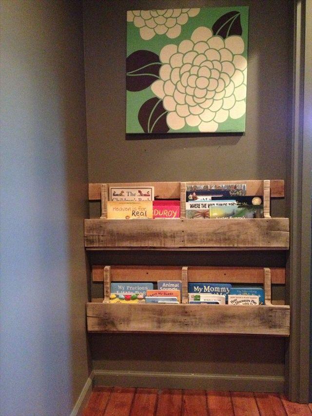 10 ideas para organizar los libros en estanteras de palet Pinterest