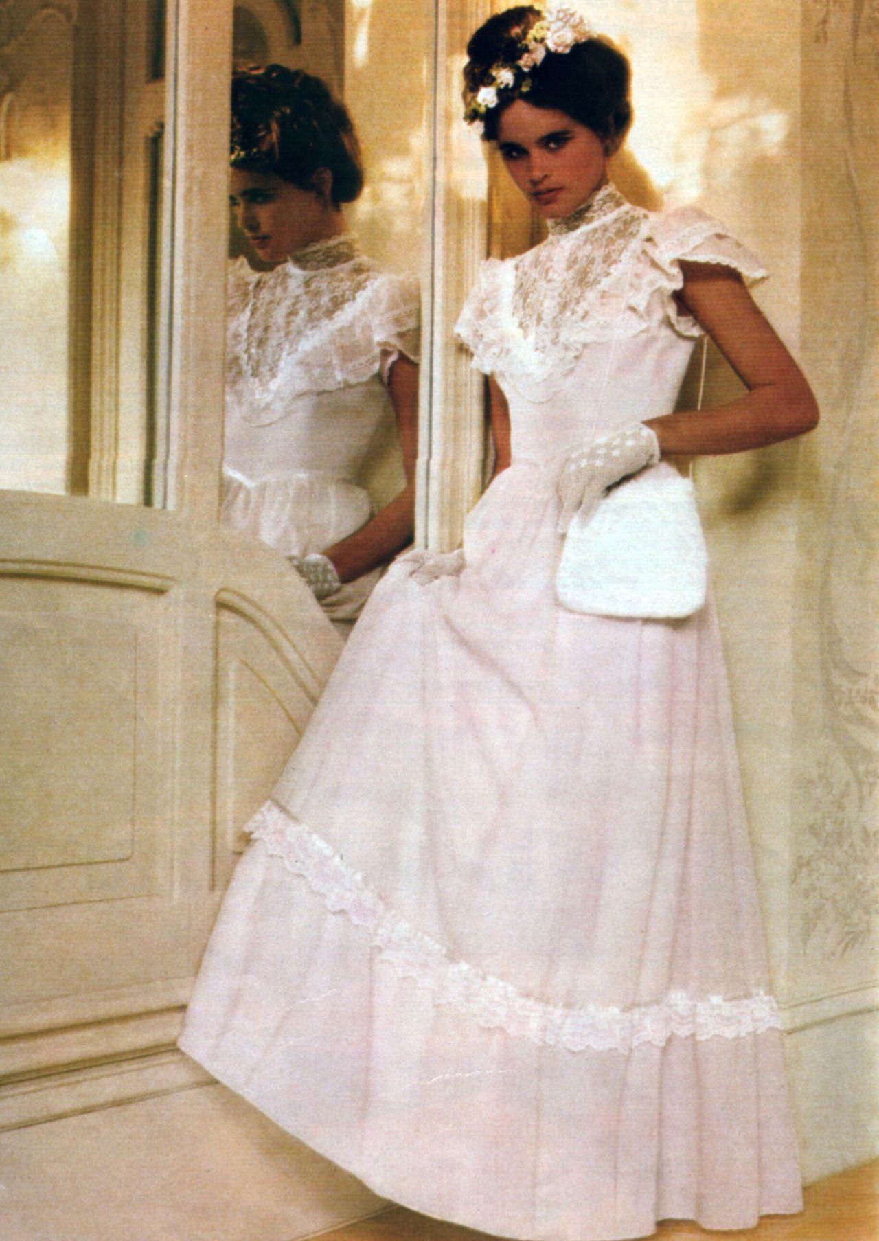 Gunne Sax Seventeen Magazine April 1983 Vintage Dresses Alternative Wedding Dresses Dresses [ 1807 x 1280 Pixel ]