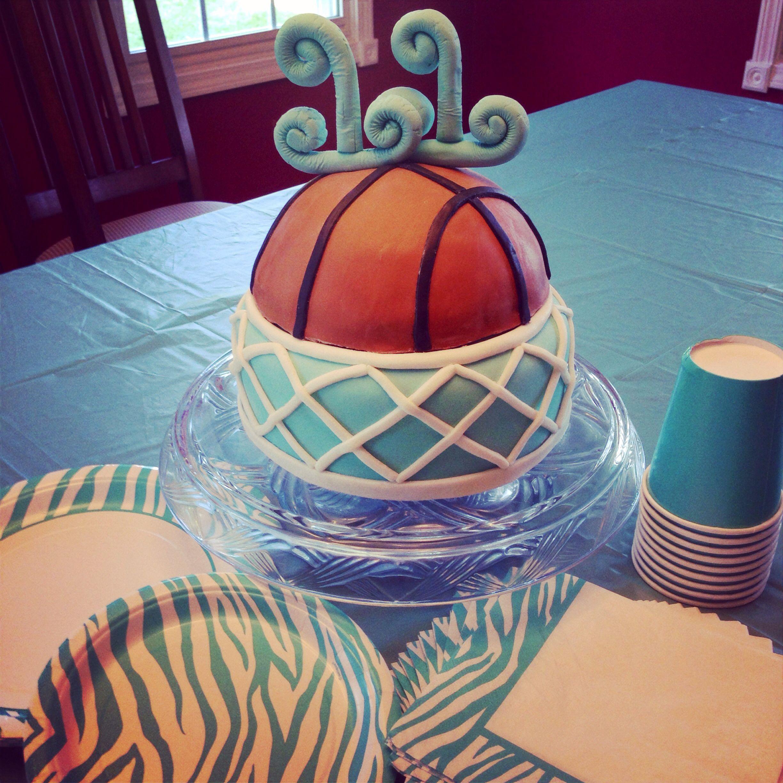 Girls basketball cake Cakes Pinterest Cake Birthday cakes