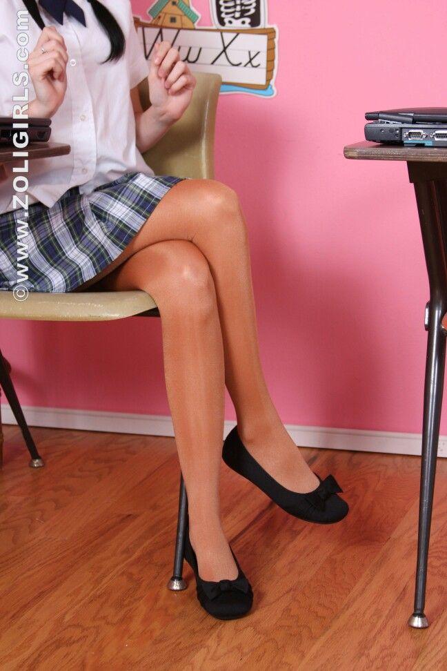 Zoligirls.com #jessica #pantyhose #Strumpfhose #teen #schoolgirl #upskirtteen #uniform #flats