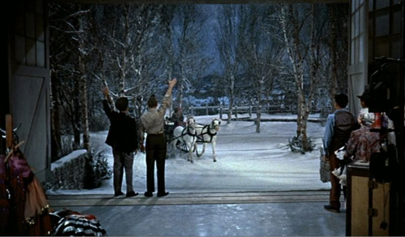 I want to relive this scene of White Christmas if I had a