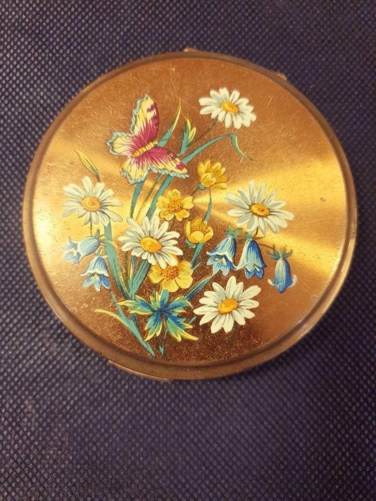 Vintage Estate Stratton Powder Mirror Compact Makeup Case Etsy Vintage Makeup Case Bridesmaid Purses