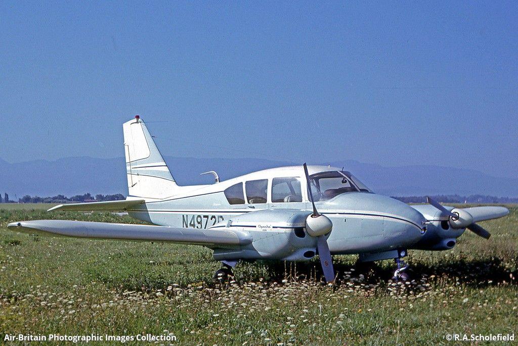 Piper Pa 23 235 Apache 235 Piper Aircraft Aviation