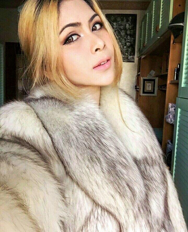Blonde Teen In Fur Coat 52