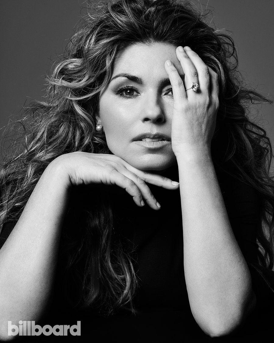 Shania Twain Photos of the Billboard Women In Music 'Icon