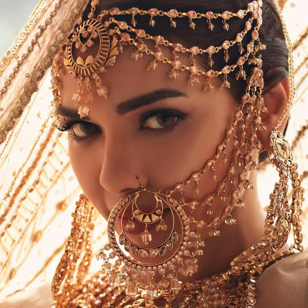 Pin by Safia Bai on Bride photoshoot in 2020 Bridal