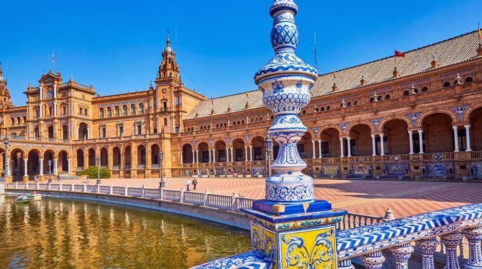 Sevilla elegida como mejor destino tur stico mundial en for Destinos turisticos espana