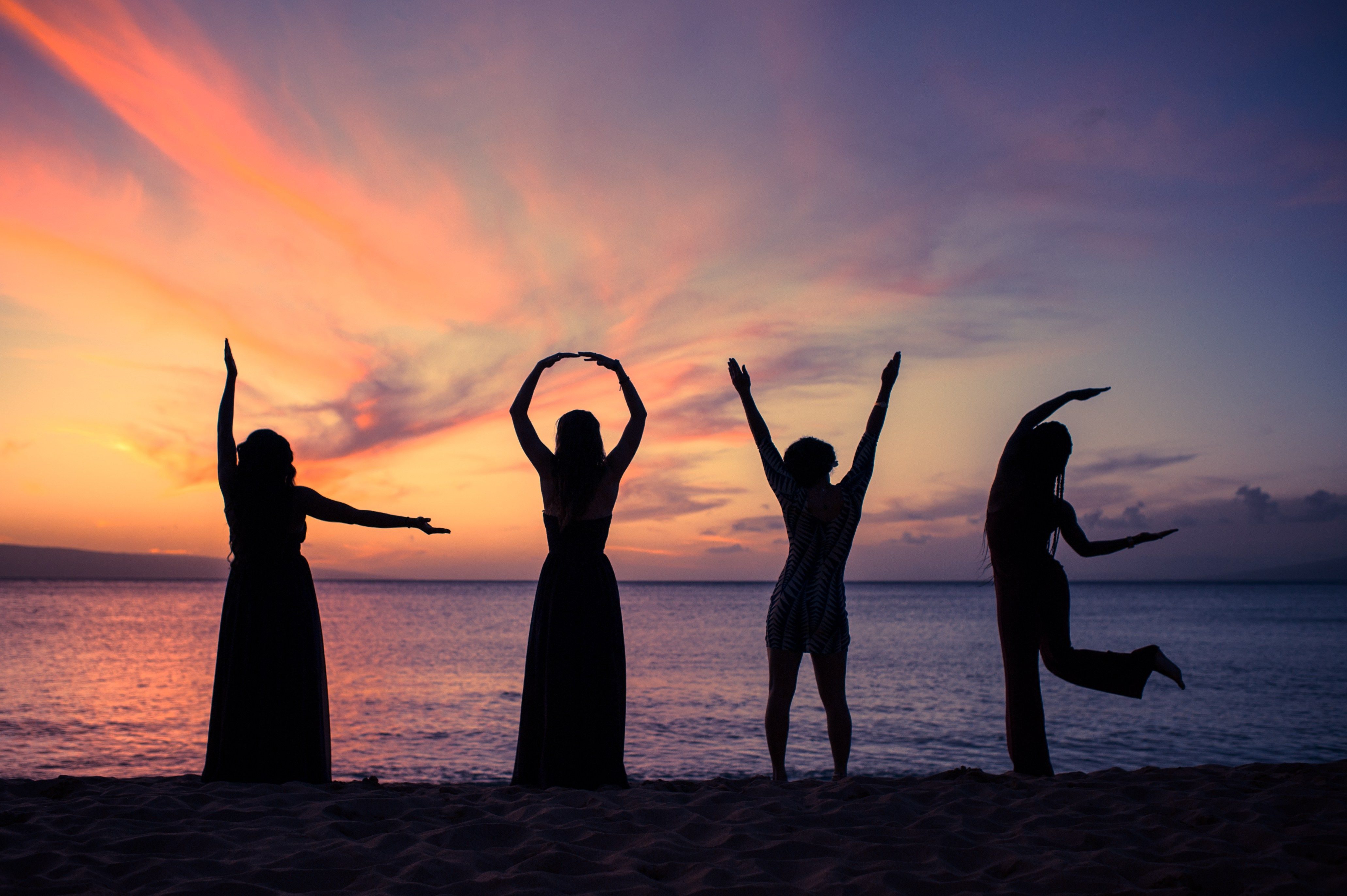 Sunset Wedding Love Elvrom Friends And Family At On The Beach Westin Hotel Maui Hawaii