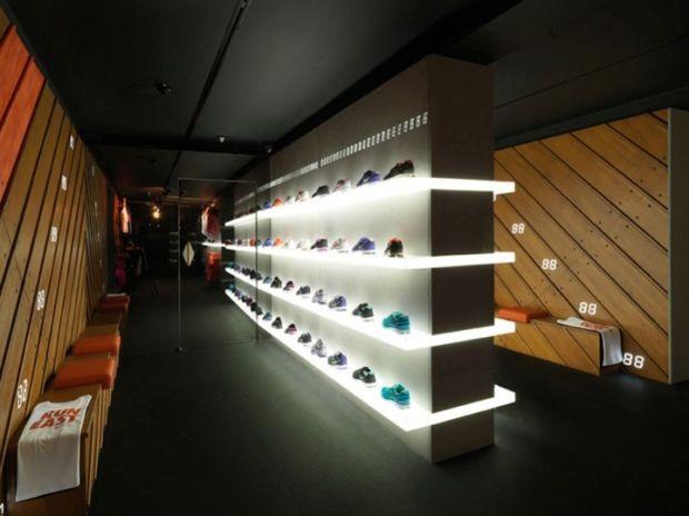 Nike Fuelstation – Londres Nike + Fuelstation est un nouveau concept  d'animation de magasin