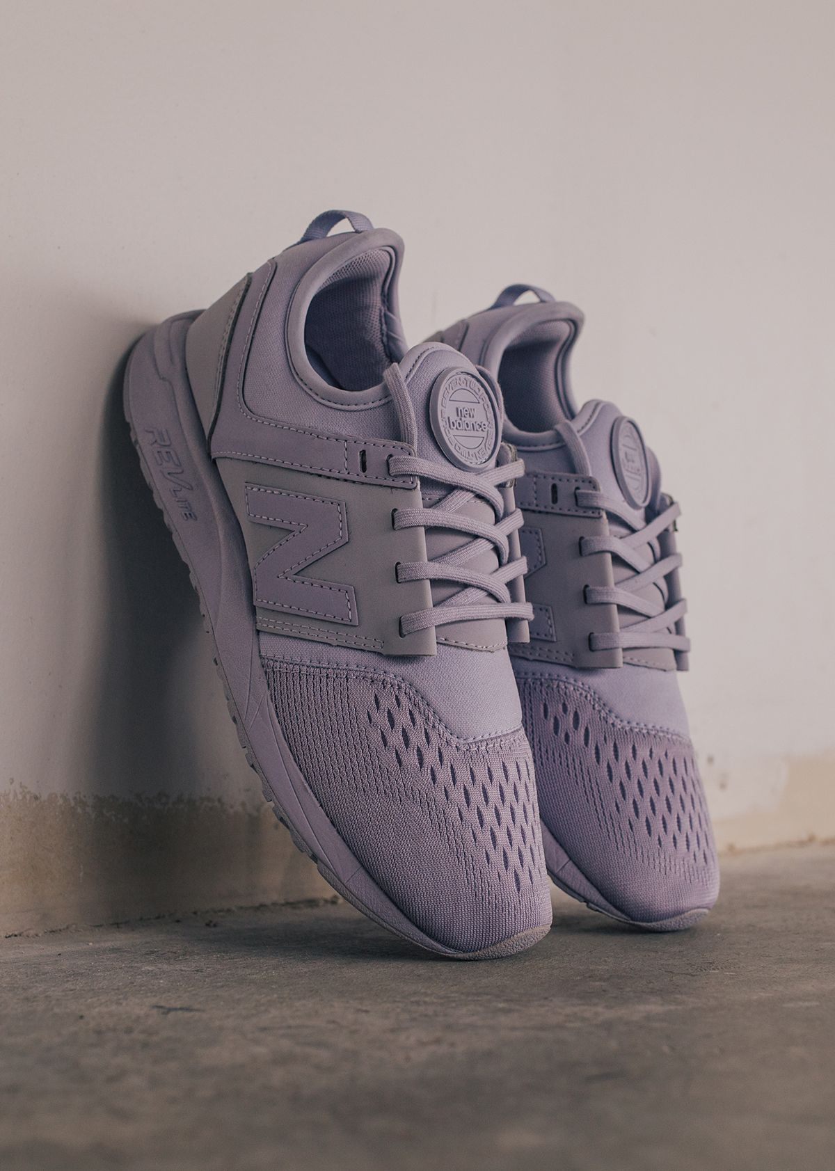 new balance 247 trainers in lilac