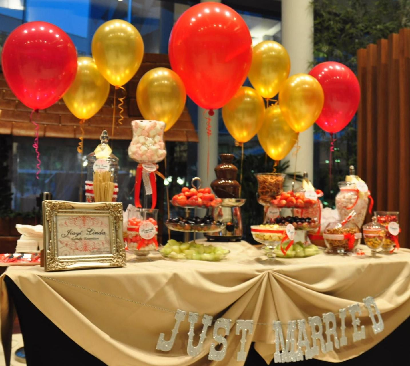 Elegant buffet table decoration pictures - 9 Incredibly Awesome Ways To Add Balloons To An Indian Wedding Decor Buffet Table