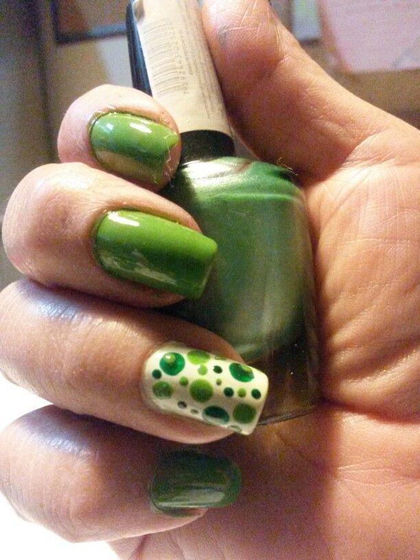 Uñas en verde | cabello | Pinterest | Verde y Cabello