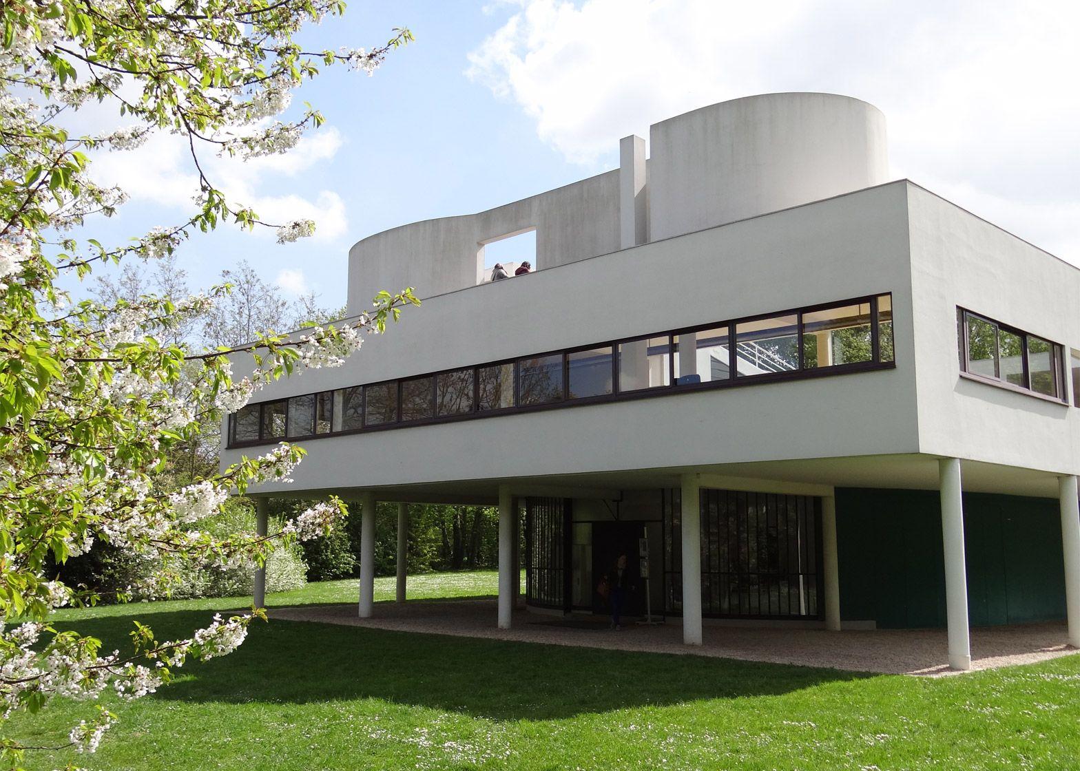 Le corbusier villa savoye interior - Le Corbusier S Villa Savoye Encapsulates The Modernist Style