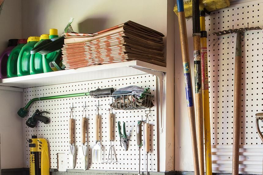 7 photos of diy d garages that will make you say omg on cheap diy garage organization ideas to inspire you tips for clearing id=87303
