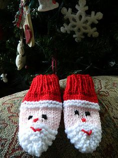 Santa Mittens Free Knitting Pattern Thetreatgirl Blogspot Knitting