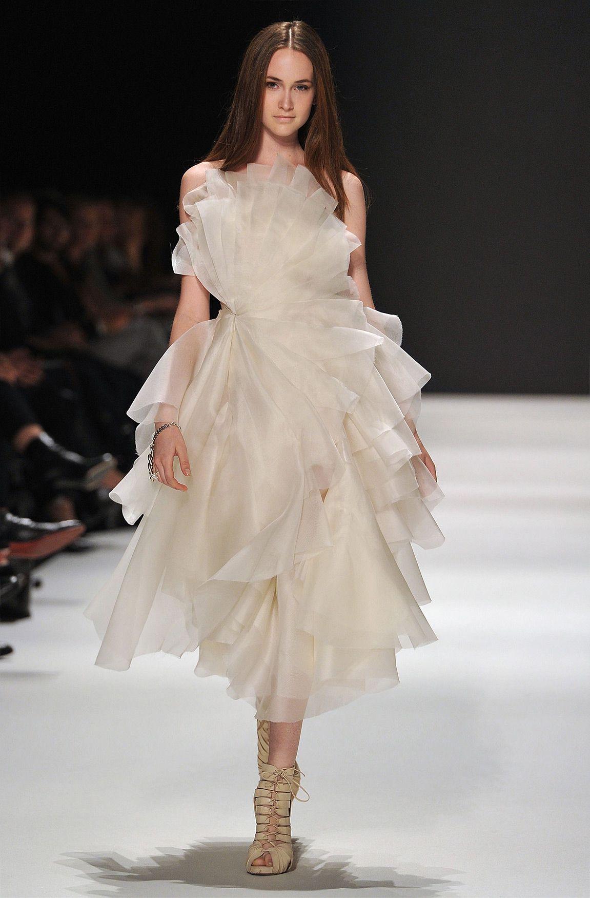 Exploded Flower Dress, kaviar gauche | wedding | Pinterest | Flower ...