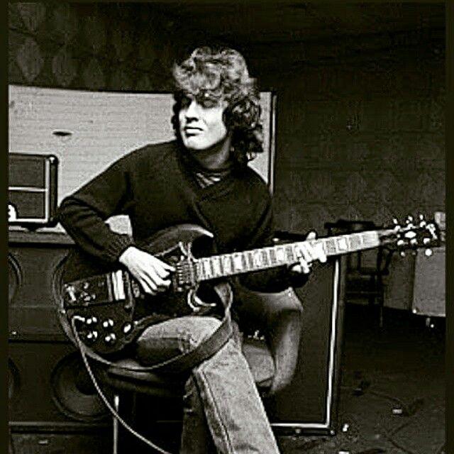 Happy Birthday To The Amazingly Talented Angus Young Acdc Angus Young Acdc Angus Acdc