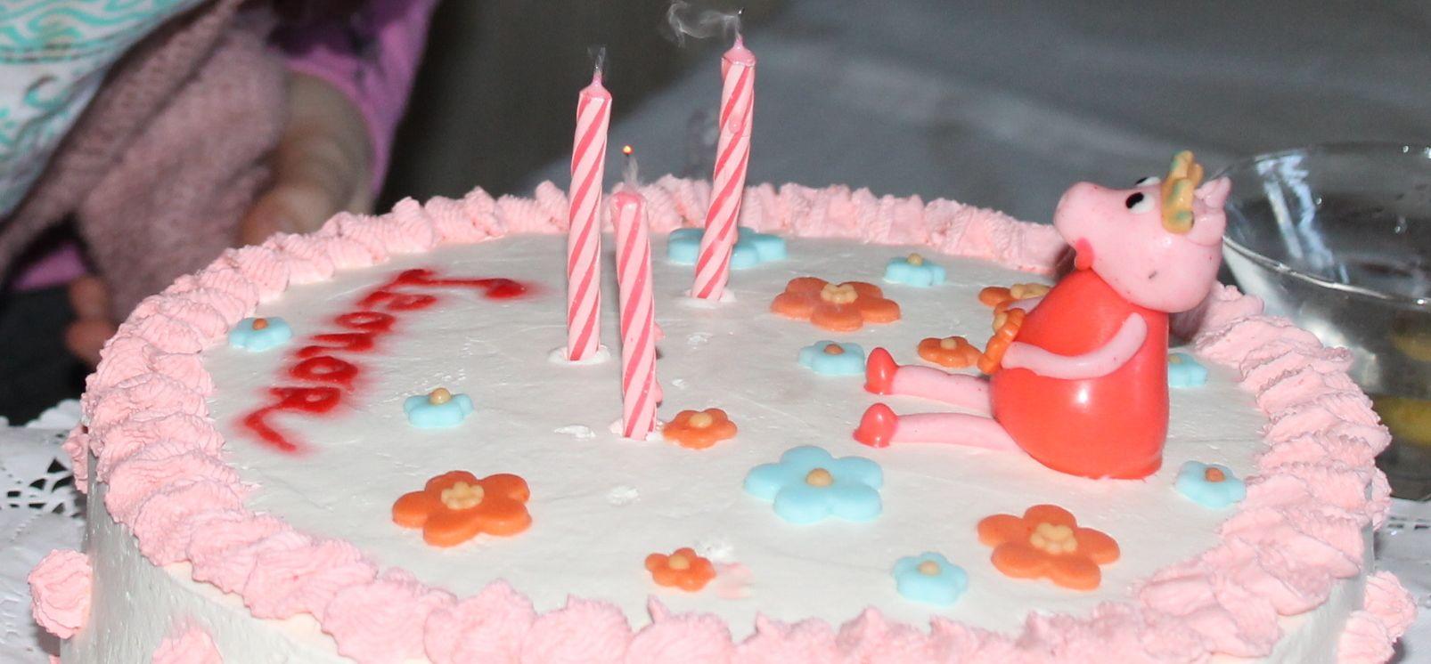 Torta casera tema Pepa Pig para niña 2 años