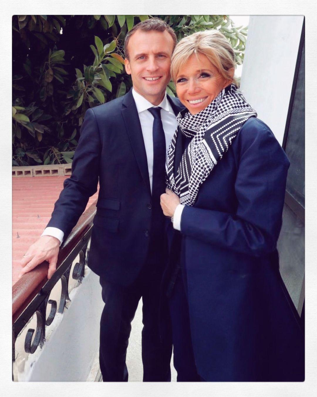 1 481 Likes 100 Comments Brigitte Et Emmanuel Lesmacron On Instagram Brigittemacron Emmanuelmacron Lesmacron Macron First Lady Old Women Style