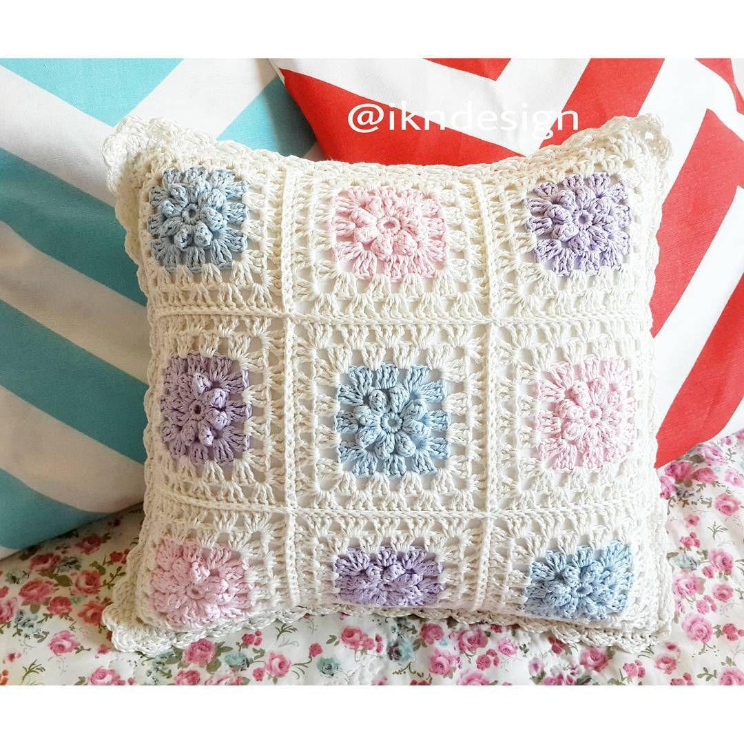 crochetpillow #squaremotif #knittedpillow   Crochet   Pinterest ...