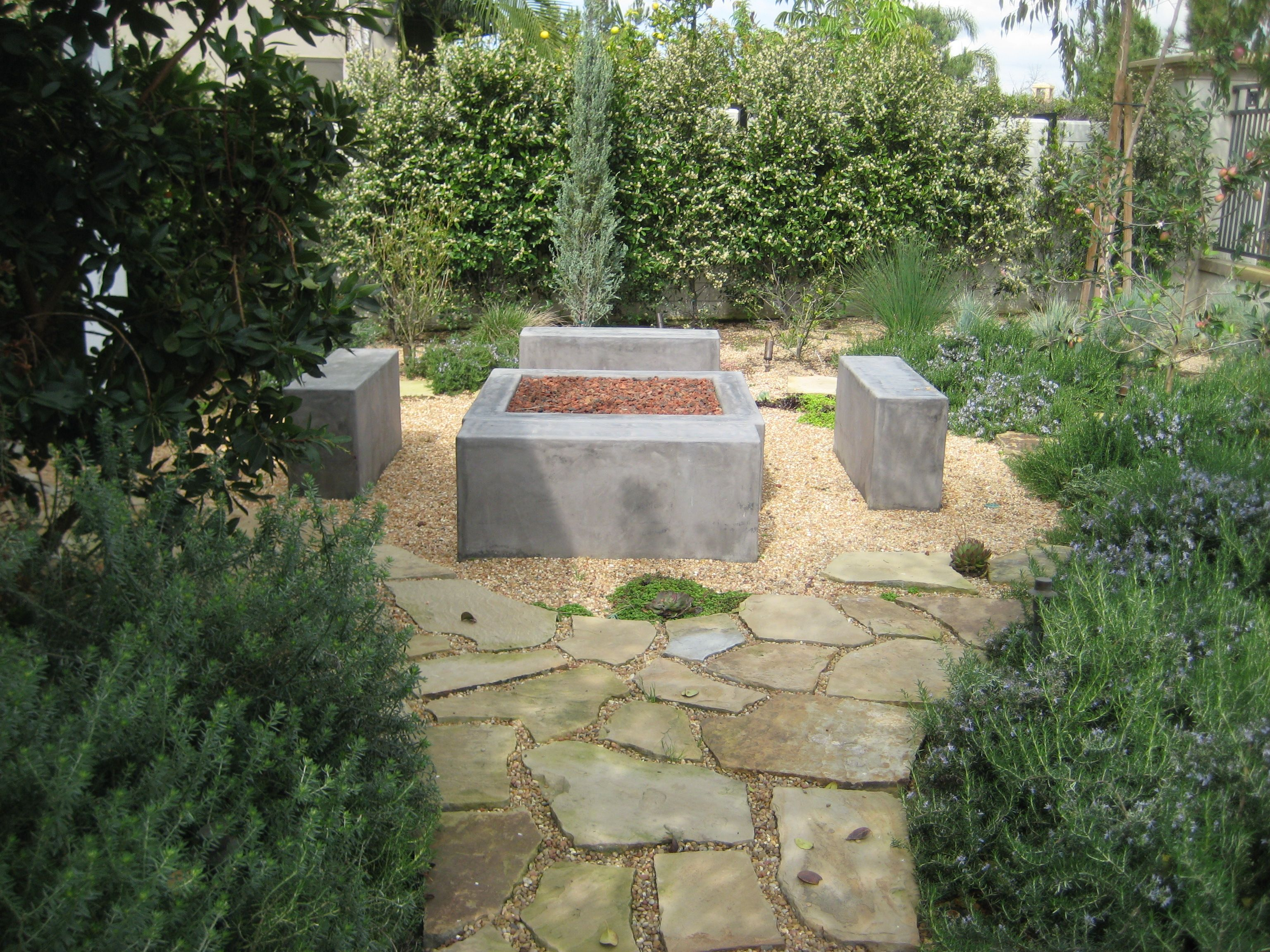 Smooth Stucco Fire Pit   Pool landscaping, Outdoor decor ...