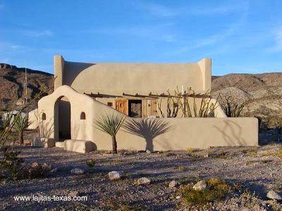 Adobe House In Texas Vivienda Construida Usando Tierra Casas De Adobe Casas De Cuento Casas