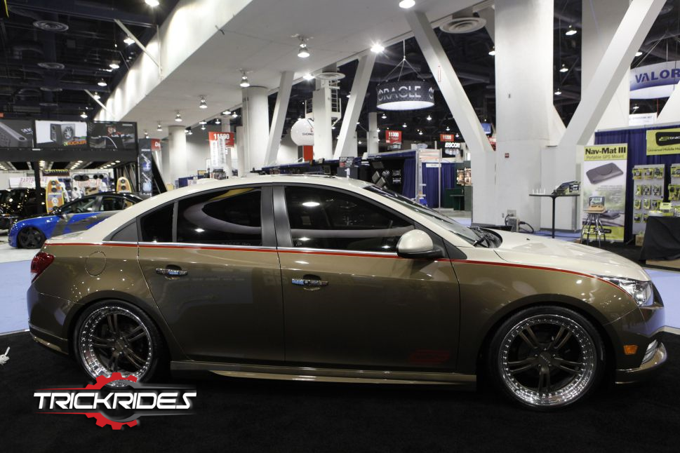 2011 Chevrolet Cruze By Metra Electronics Corp At Sema Trickrides Sema Customcarspics Aftermarketaccessories Trickit Vehicles Chevrolet Cruze Chevrolet Custom Cars