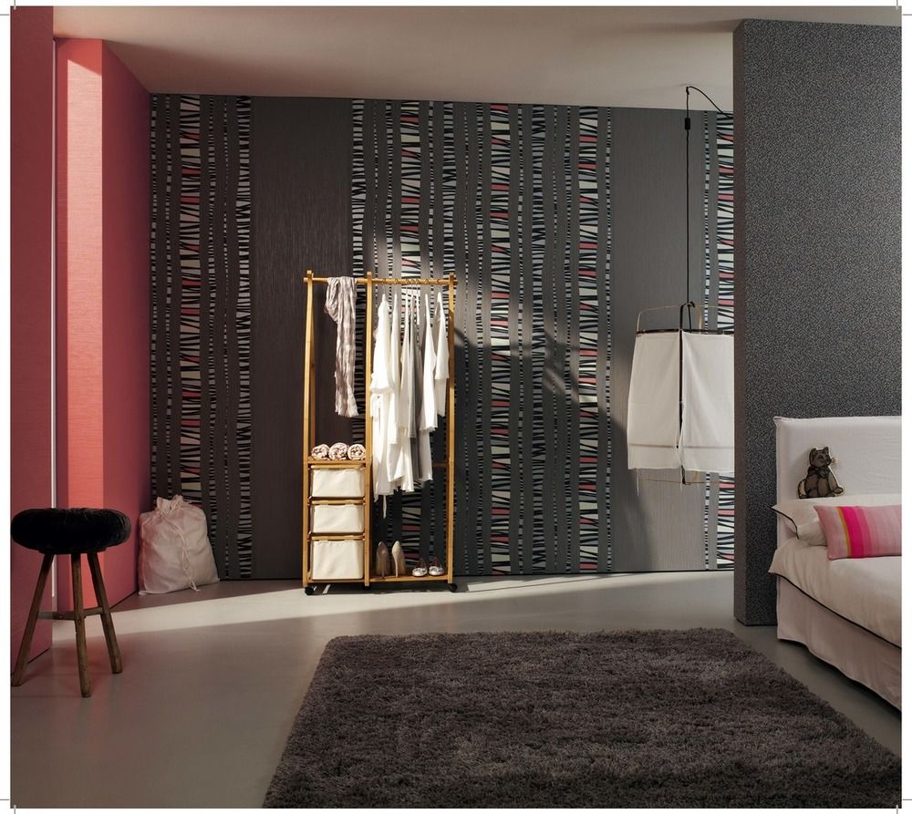 Salón decorado con papel pintado de la colección New Concepts de ...