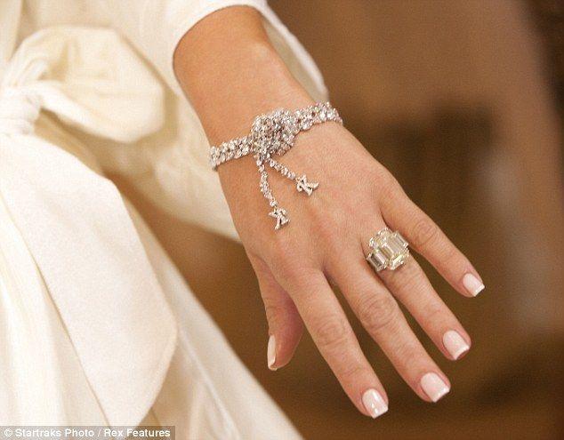 Kim Kardashians Ring Google Search Kim Kardashian Engagement Ring Kim Kardashian Ring Kim Kardashian Wedding