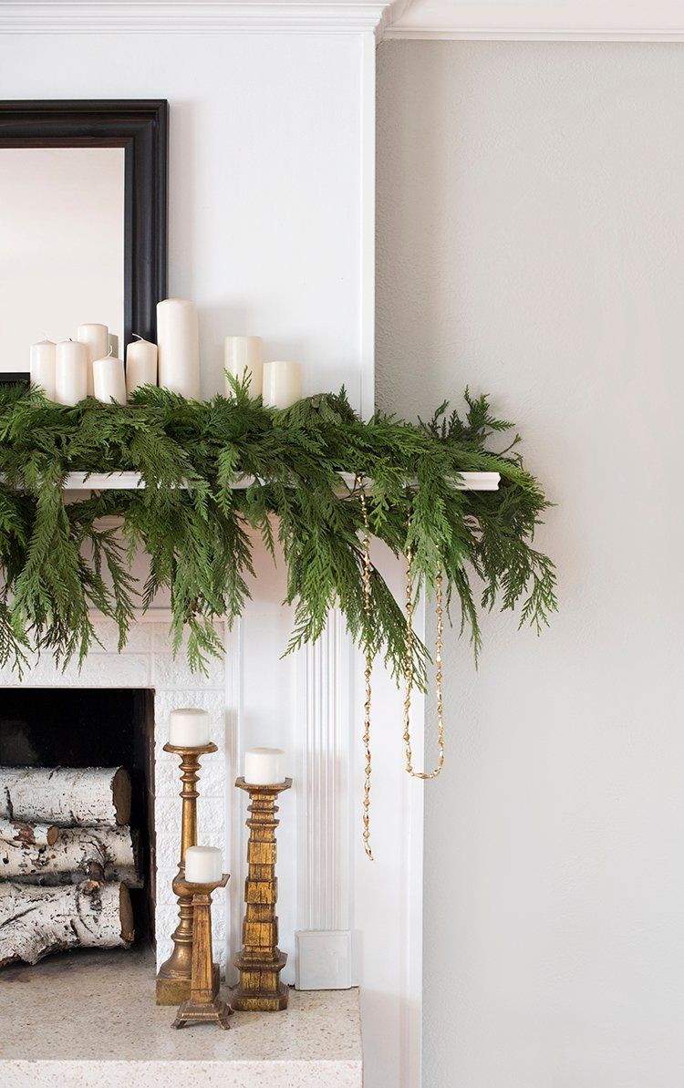 Lowes Christmas Garland.Holiday Decor That Lasts Through The New Year Holiday