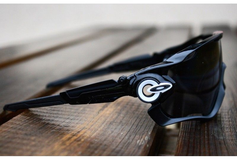 oakley jawbreaker black iridium polarized