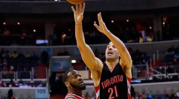 Toronto volvió a ganar en extratiempo