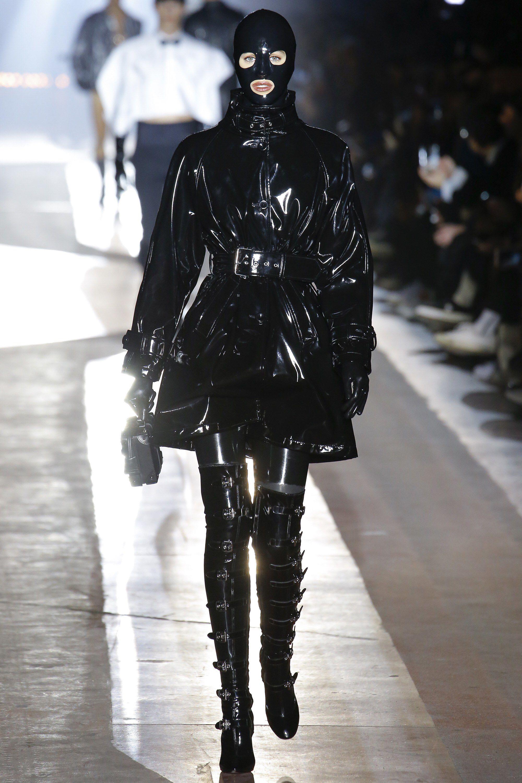 Moschino Fall Winter 2014 15 Women S Collection: Moschino Fall 2018 Menswear Fashion Show Collection